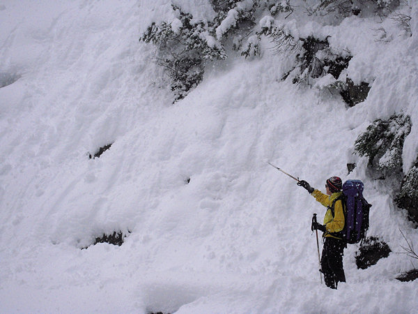 The Avalanche Safety and Rescue Class is for people who are ready to venture farther out but have little awareness of the hazards to be confronted